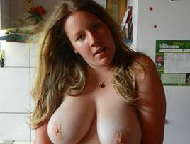 Amateur Sex Bilder mit geiler Schlampe.