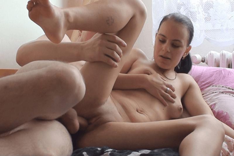 Gratis Sexbilder vom Amateursex mit einem nackten Mädchen