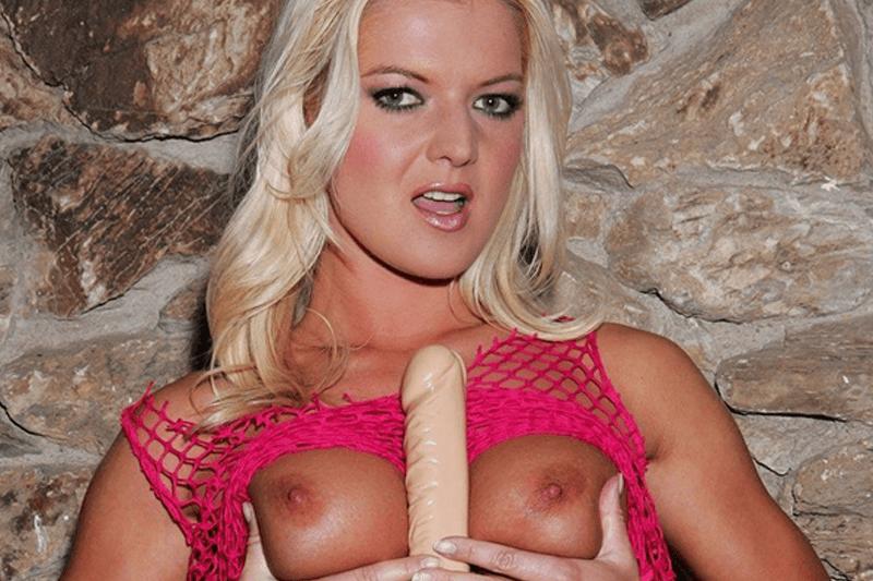Private Sexcam Live mit einem blonden Hobbyluder