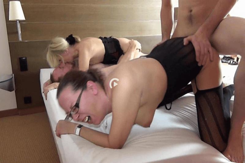 Privates Fickfoto zeigt ungeniert den Sex zu Viert