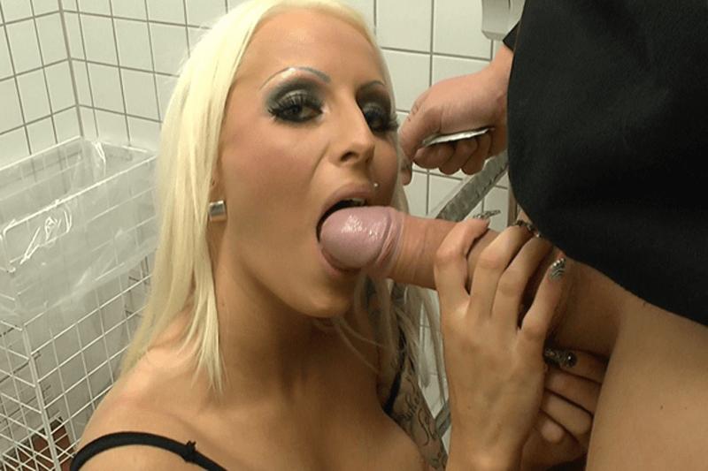 Vollbusige Blondine sucht Amateur Fickkontakte für Blowjob Sexdates