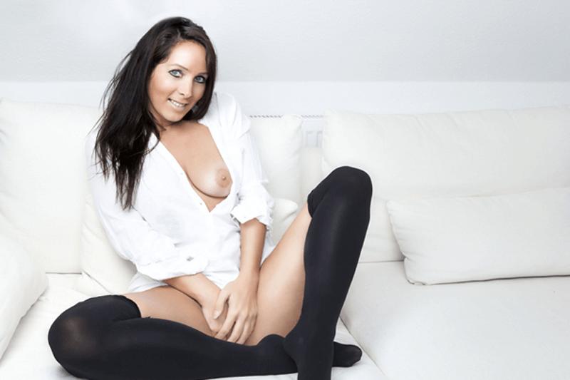 Privates Sexfoto von geiler Hausfrau bei einem privaten Sexabenteuer