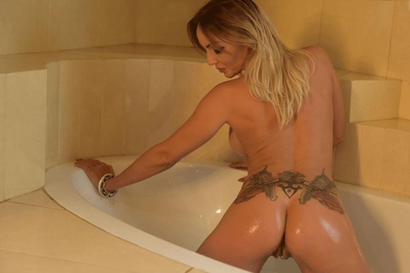 Sexy Amateurfrau sucht versaute Dates mit geile Männer aus dem Internet